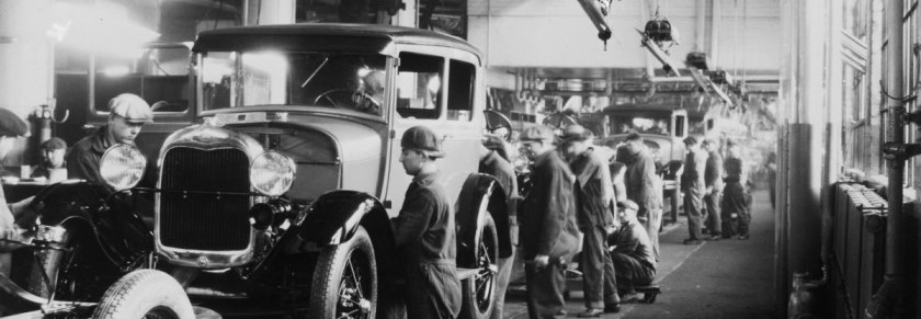 picture of an automotive assembly line